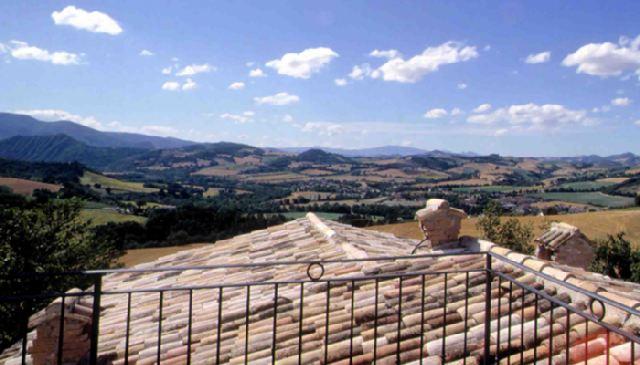 | Appartamenti | Agriturismo | Country House Il Fienile di Cà Battista Cagli