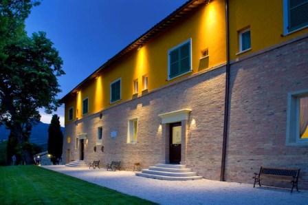 | Hotel | Bed & Breakfast | Ristoranti | Locali | Relais Ristorante Villa Fornari Camerino