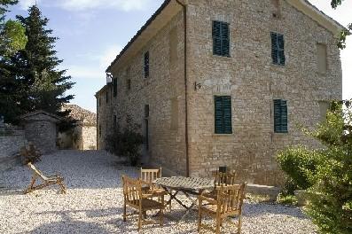 | Case per ferie | Appartamenti | Borgo Belfiore Arcevia