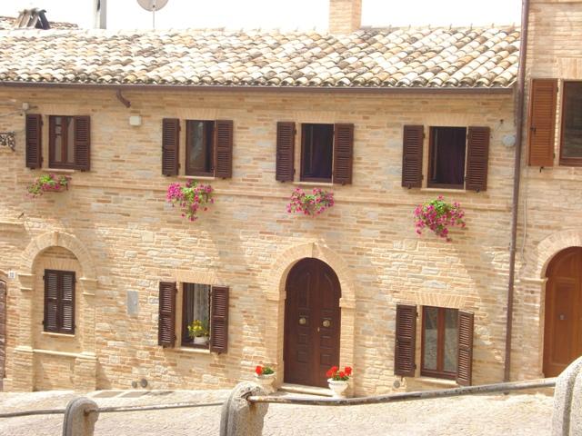 Casa Corrado paese