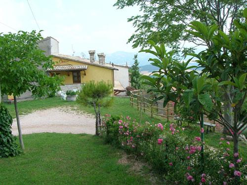   Case per ferie   Appartamenti   Agriturismo   Casa vacanza La Contesa Cagli