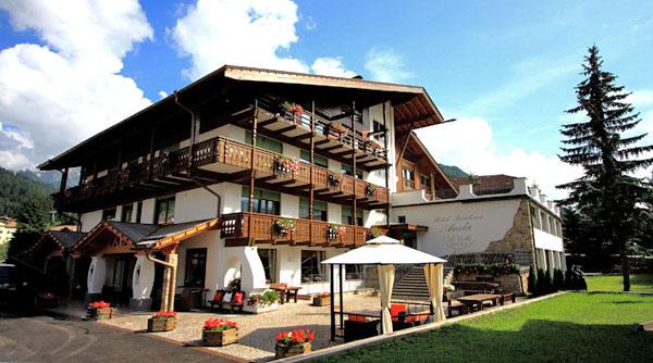 | Hotel | Garnì | Residences | Appartamenti | Centri Benessere | Hotel Residence Anda Pozza di Fassa