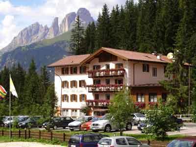 | Hotel | Case per ferie | Pensioni | Albergo Villa Penia di Canazei Canazei