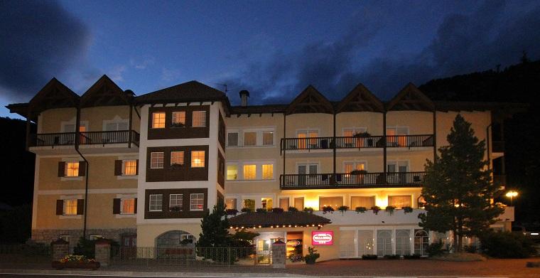 HOTEL VILLA ROSA Campitello di Fassa