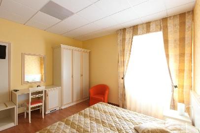 | Hotel | Ristoranti | ALBERGO RISTORANTE PIZZERIA LA PINETA Cingoli